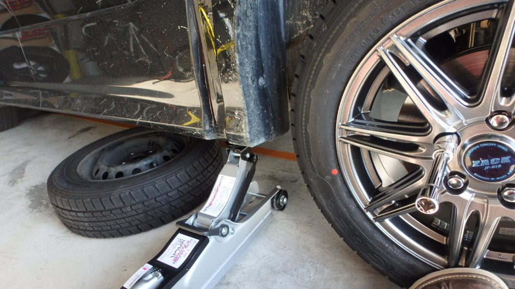 タイヤ交換を自分でやれば出費ゼロ~ナンカンESSN-1ホイールセット