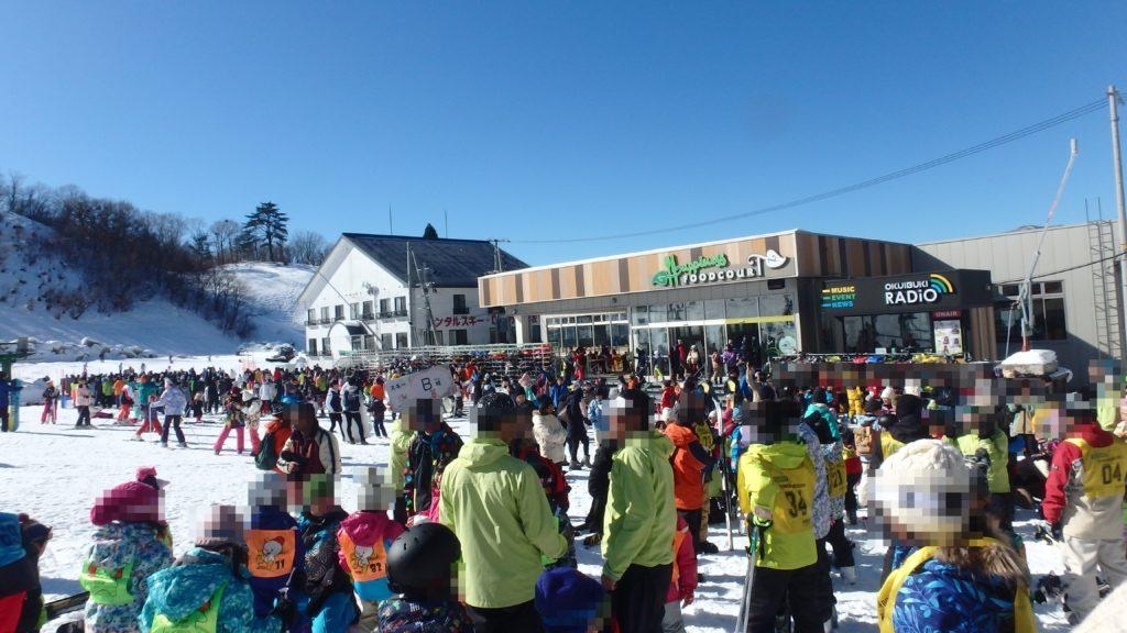 奥伊吹スキー場へ行ったら人出が凄かった